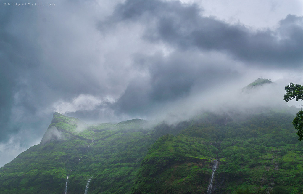 raigad-fort, raigad-fort-in-monsoon