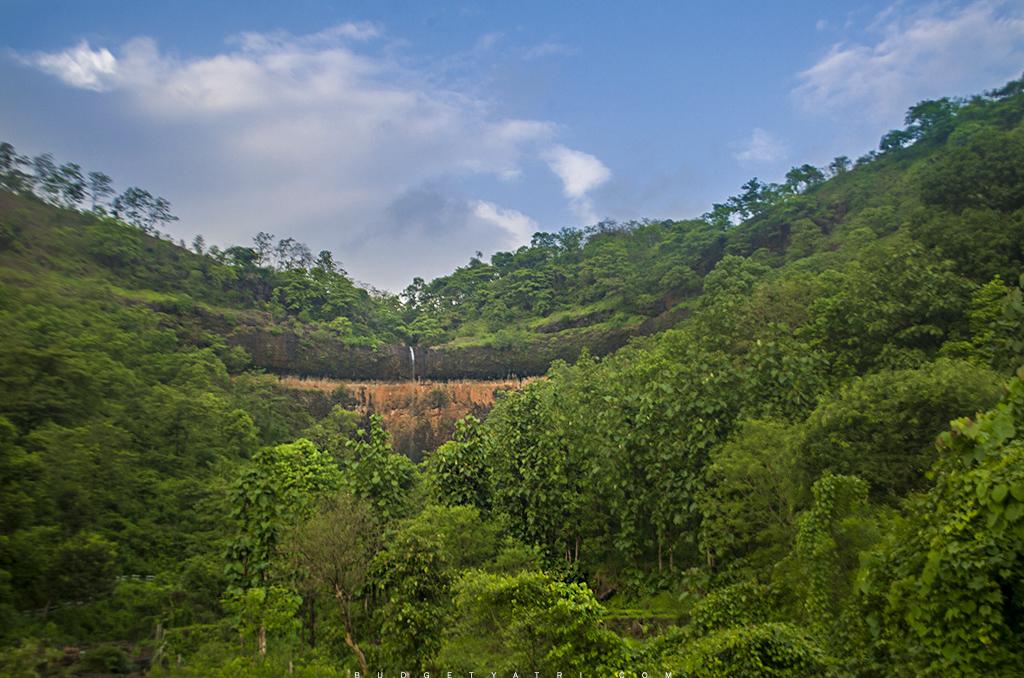 Sawatsada waterfall, Chiplun