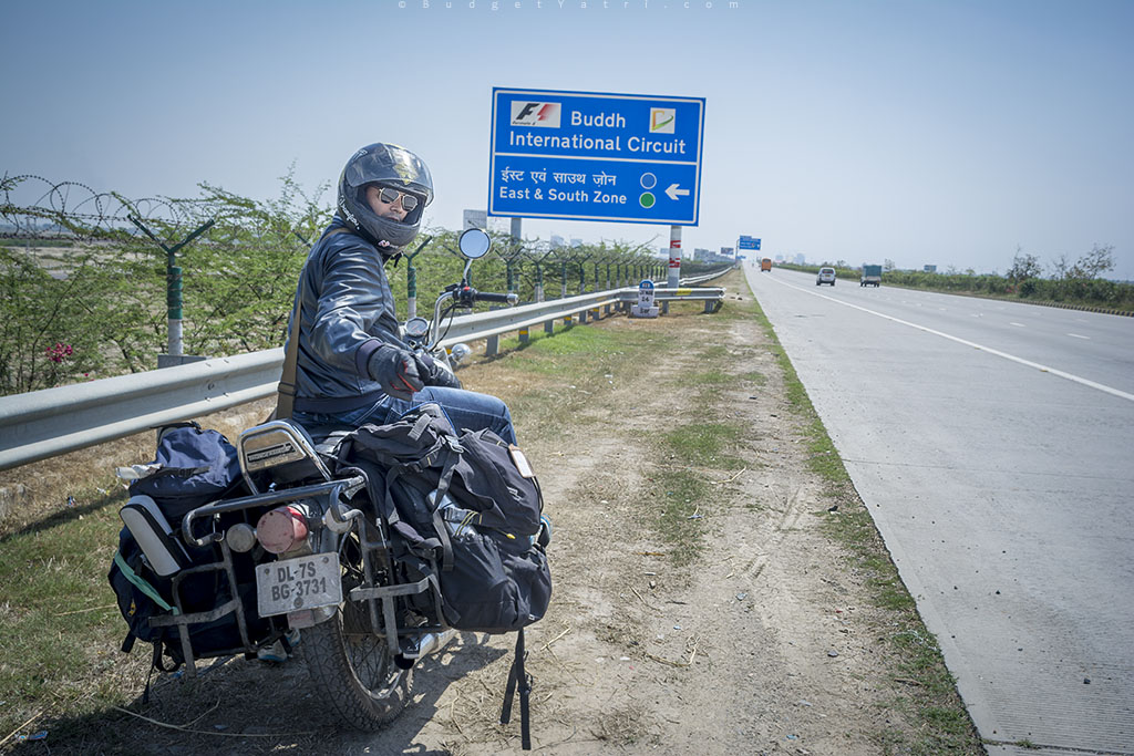 Yamuna expressway, bike ride, Enfield Thunderbird